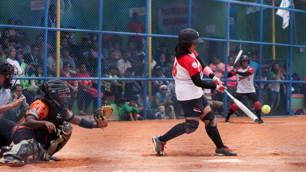 Maju ke Final Sofbol, Tim Putri Jakarta Tunggu Lawan