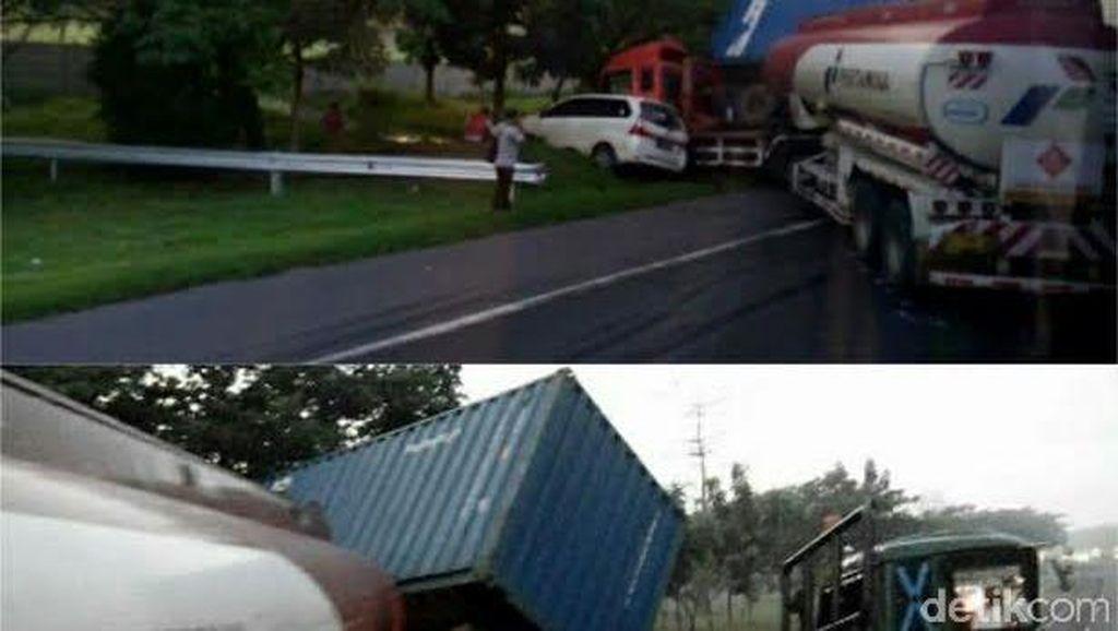 Tabrakan Beruntun Libatkan Tiga Kendaraan di Tol Waru Arah Sidoarjo