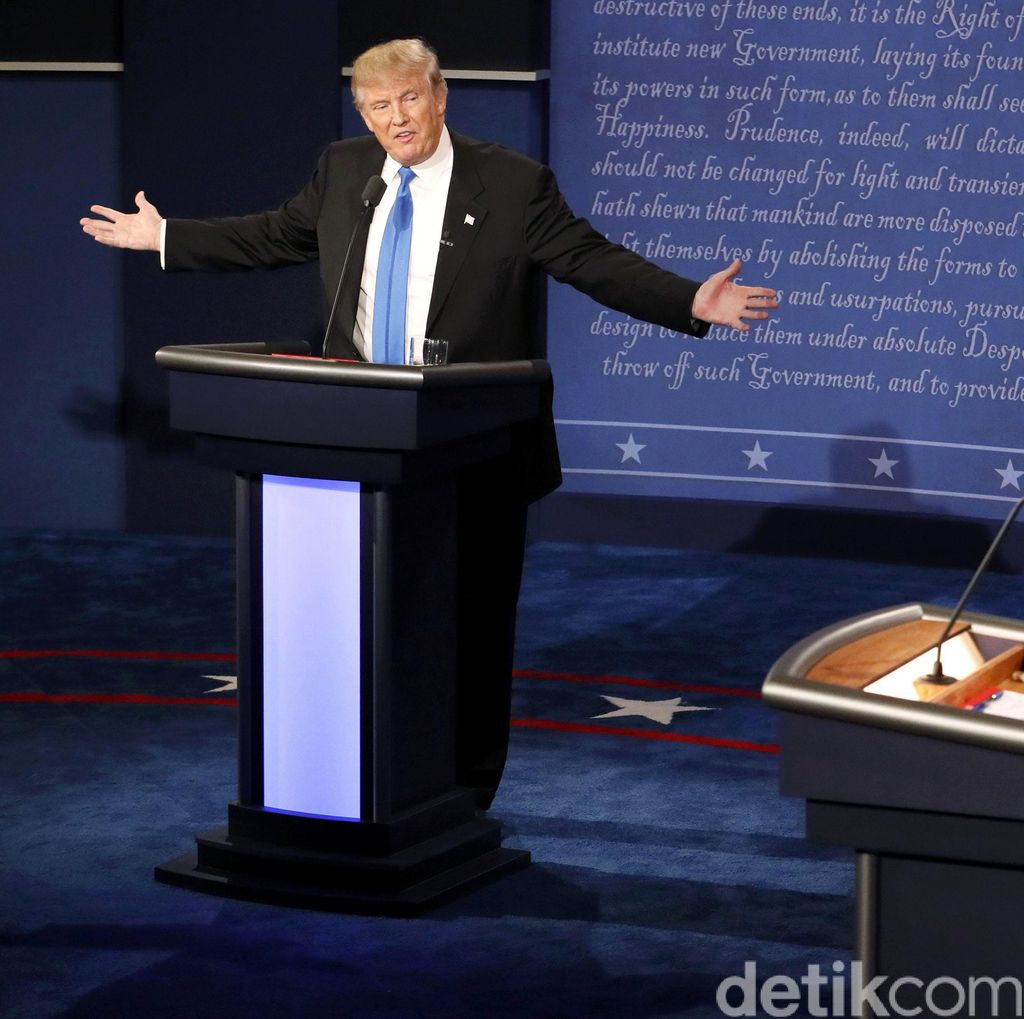 Debat Perdana Hillary vs Trump