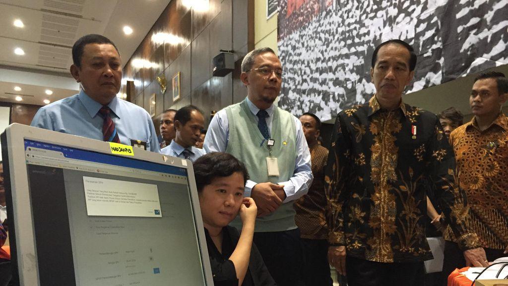 Usai dari Jakbar, Jokowi dan Sri Mulyani Sidak Kantor Pajak Gambir