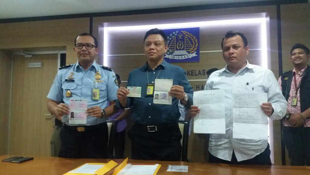 Petugas Imigrasi Bandara Soekarno-Hatta Tangkap Empat WNA Bermasalah