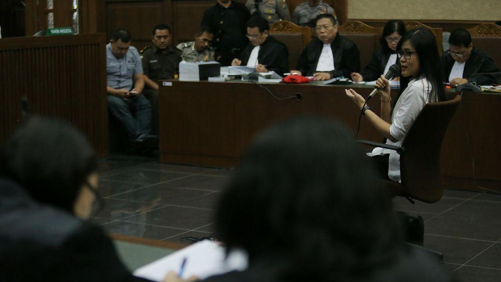 Jaksa Tanya Jessica Wongso: Pernah Menuangkan Sianida ke Kopi Mirna?
