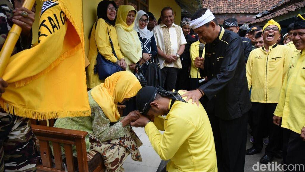 Lantik Pengurus Purwakarta, Dedi Mulyadi Serukan Golkar Jadi Partai Kekeluargaan