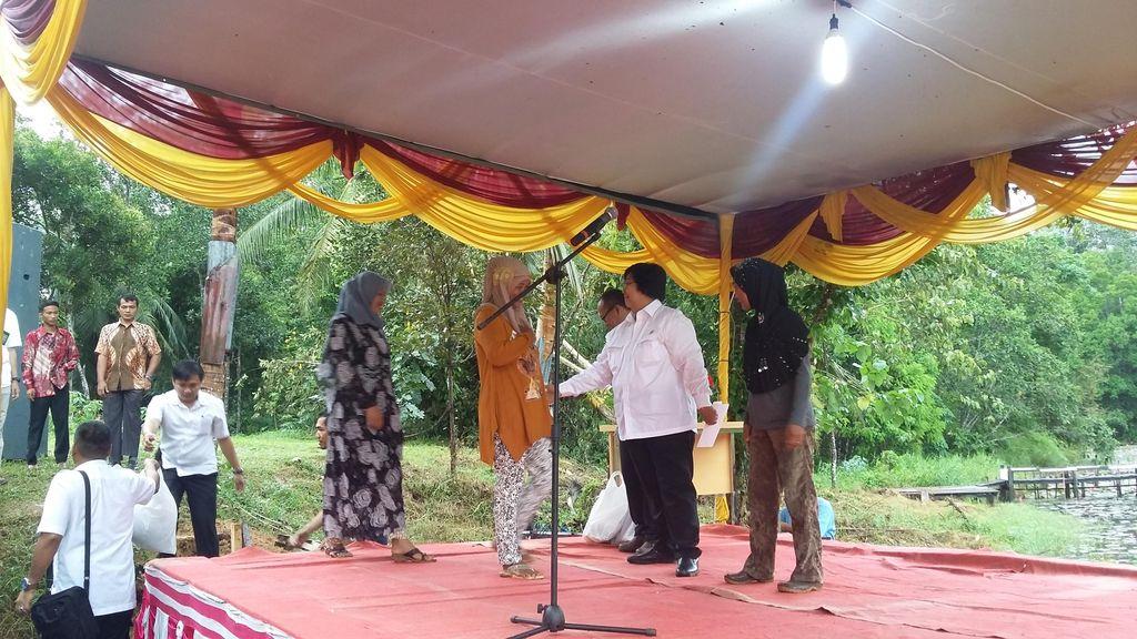 Restorasi Hutan Harapan, Cara Menteri Siti Pulihkan Areal yang Sudah Jelek