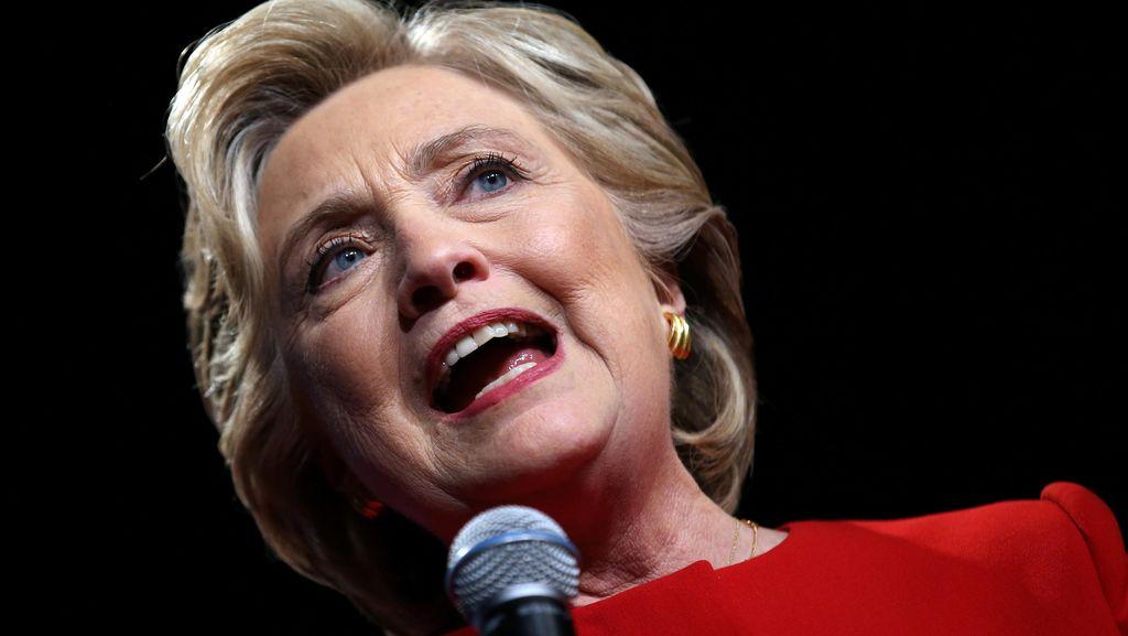 Di Balik Persiapan Debat Hillary Clinton: Penasihatnya Berakting Jadi Trump