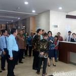 Ketika Jokowi dan Sri Mulyani Beri Semangat ke Petugas Pajak