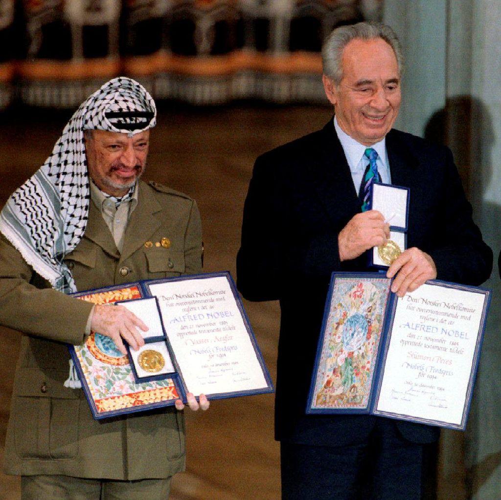 Shimon Peres, Pencetus Perdamaian Israel-Palestina Bersama Yasser Arafat