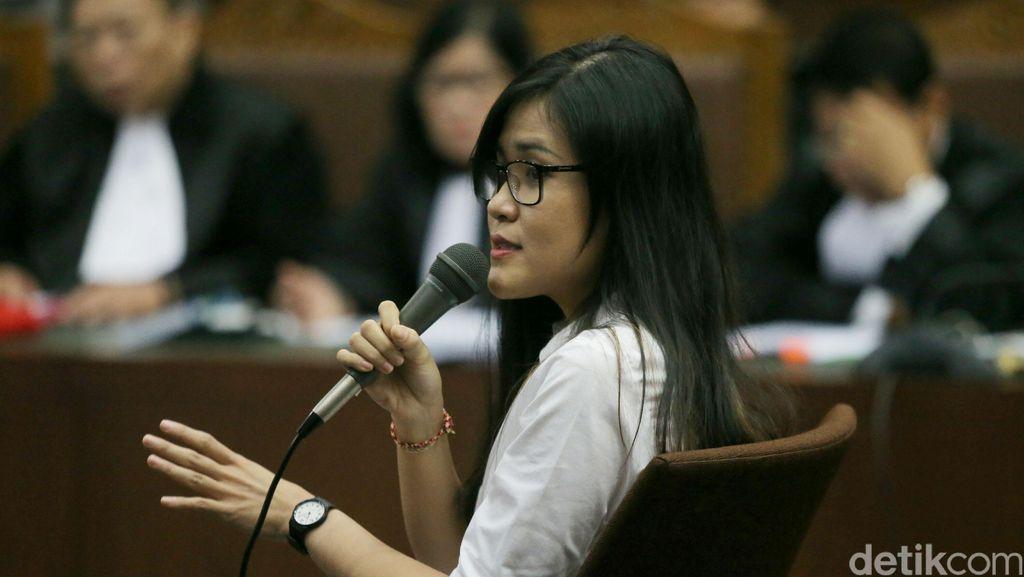 Jaksa Tunjukkan Paper Bag dan Sabun, Jessica Wongso: Sepertinya Iya Ini