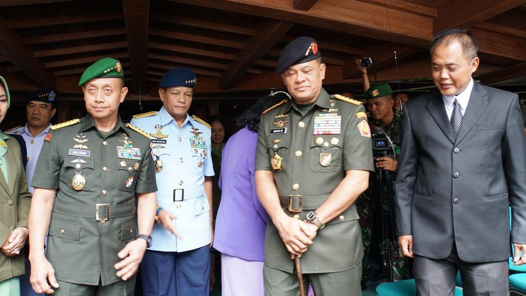 Didampingi Titiek, Panglima dan Petinggi TNI Ziarah ke Makam Suharto