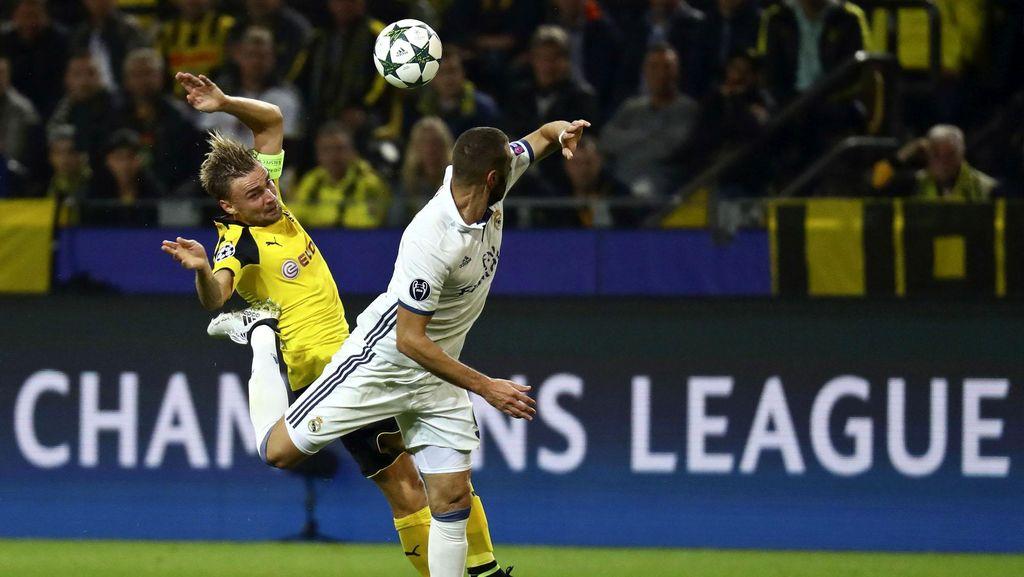 Madrid Tak Punya Gelandang Bertahan, Dortmund Leluasa Kuasai Pertandingan