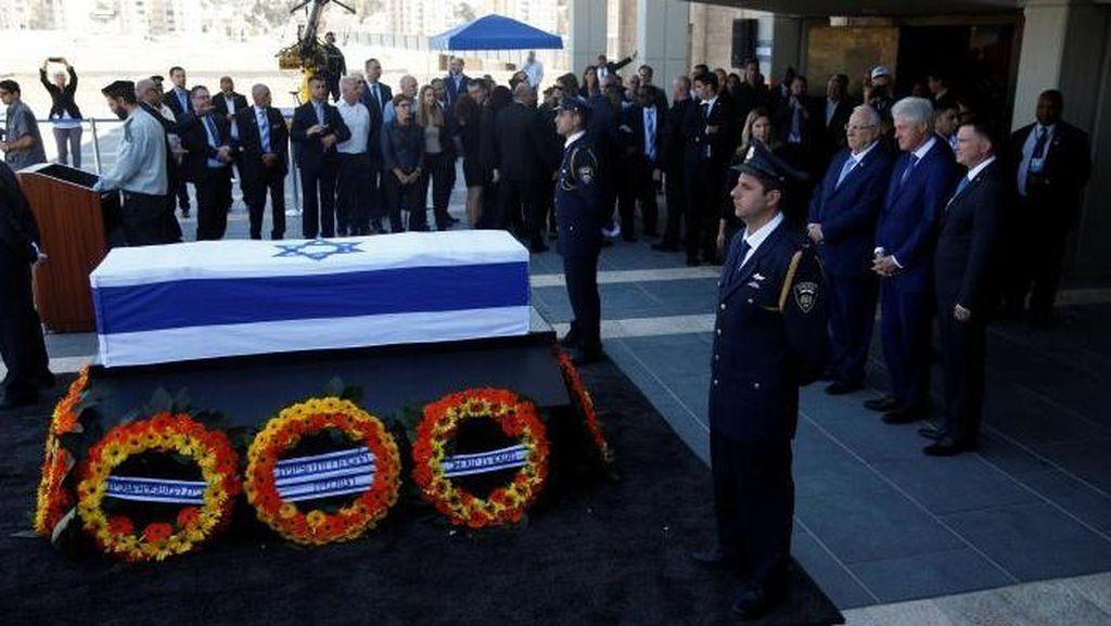 Ribuan Warga Israel Berikan Penghormatan Terakhir pada Shimon Peres