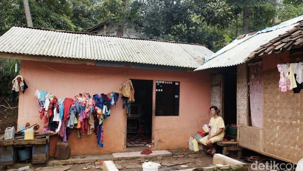 Kisah Pilu Kampung Miskin Cadas Gantung Kabupaten Bandung