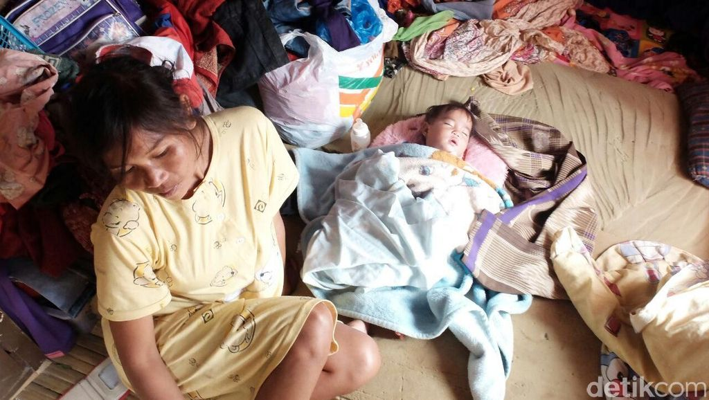 Warga Kampung Cadas Gantung Masih MCK di Sungai yang Jaraknya 1 Km
