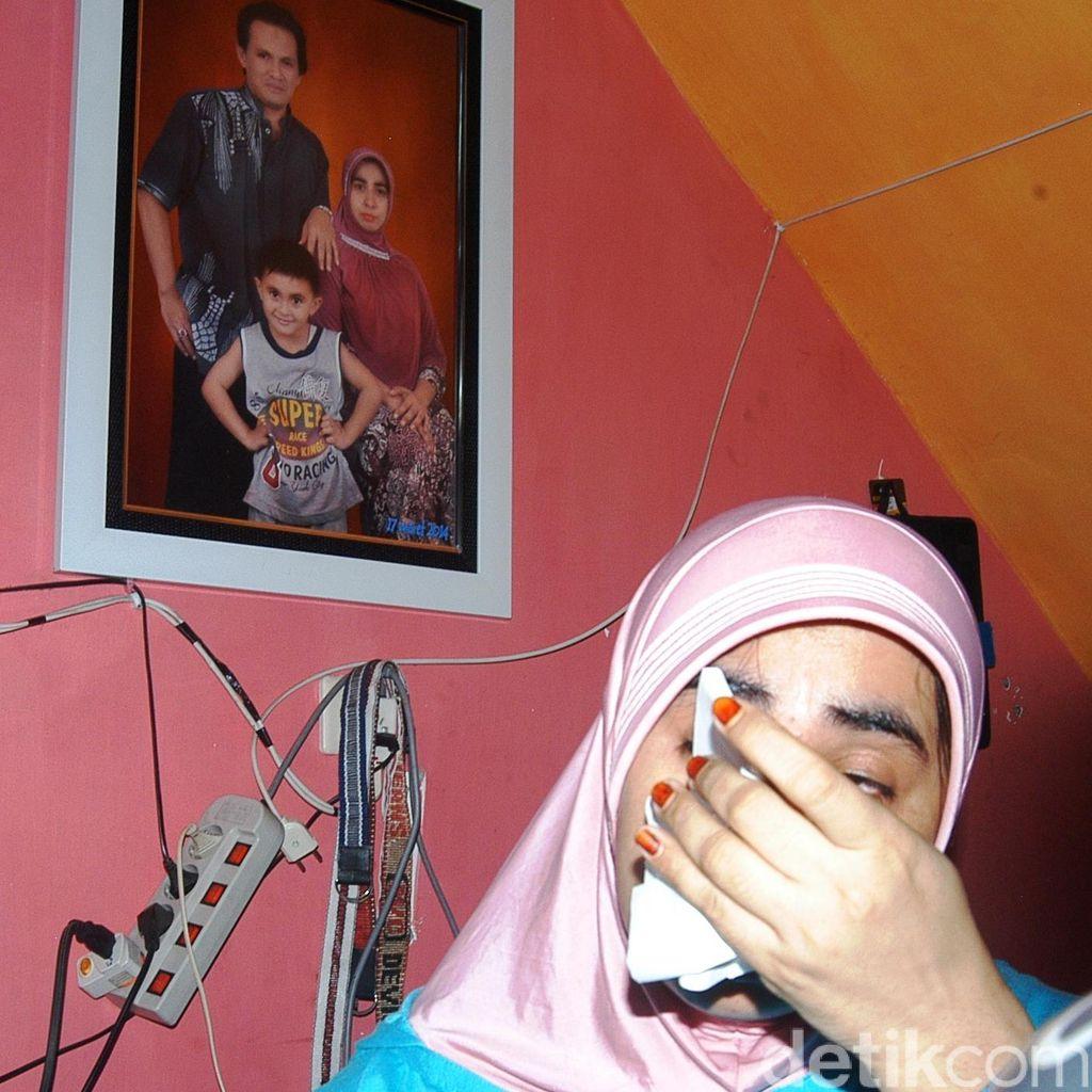 Istri <I>Nangis</I> Kenang Ismail Hilang sebelum Laporkan Dimas Kanjeng ke Polisi