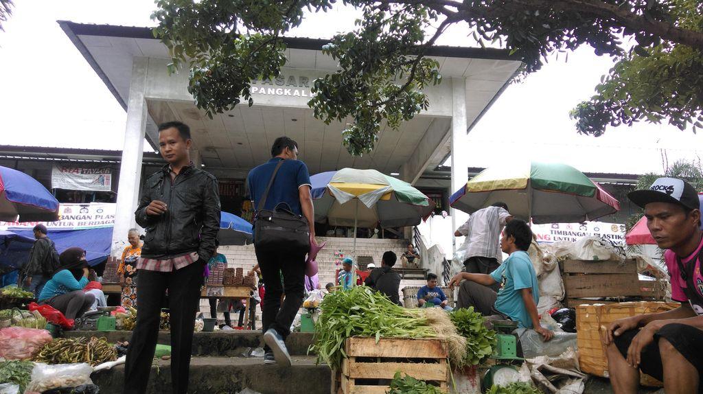 Semrawut, Pemkot Pangkalpinang Merevitalisasi Pasar Pagi