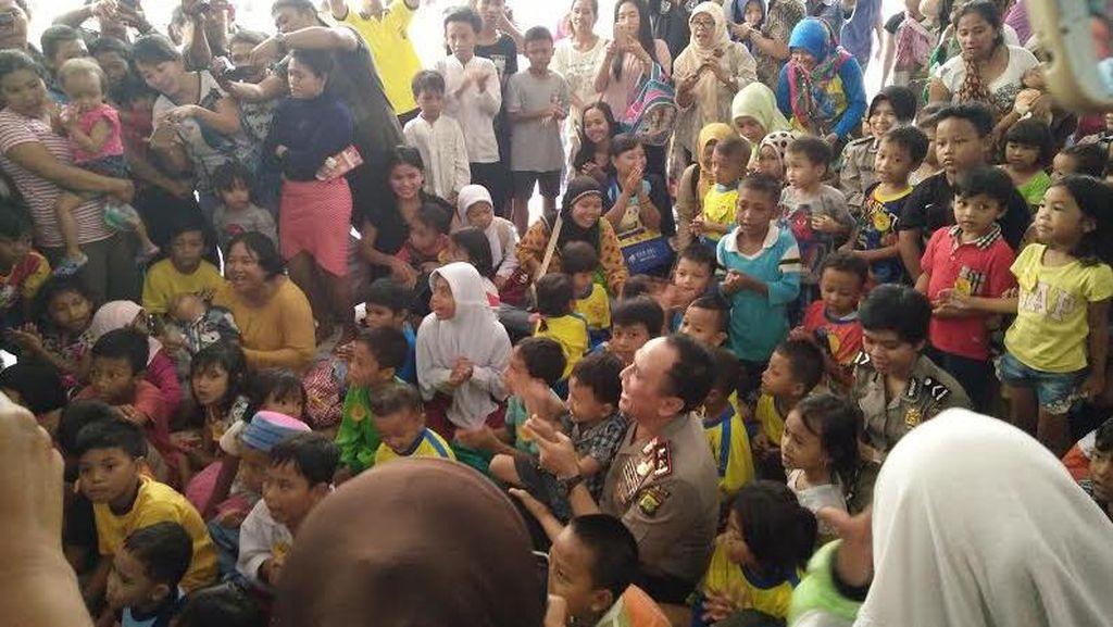 Tinjau Rusun Rawa Bebek, Kapolda Metro Gelar Pengobatan Gratis dan Bagikan Sembako