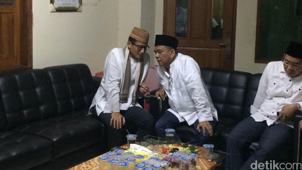 Di Masjid Guru Amin, Sandiaga Uno Mohon Doa Restu Jadi Cawagub DKI