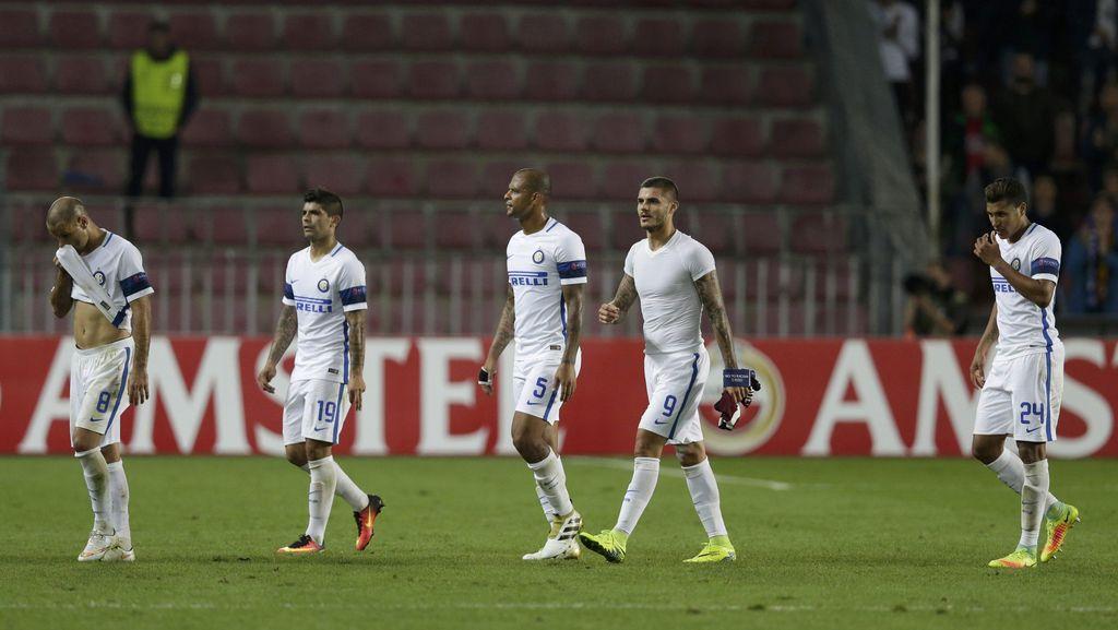 Inter Telat Panas di Praha