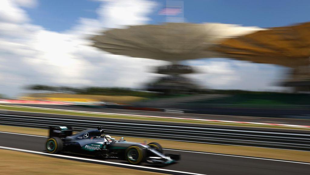 Hamilton Gantian Ungguli Rosberg