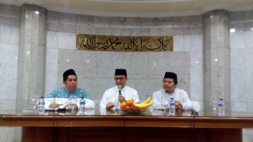 Anies Silaturahmi ke Masjid Sunda Kelapa Sekaligus Serap Aspirasi Warga