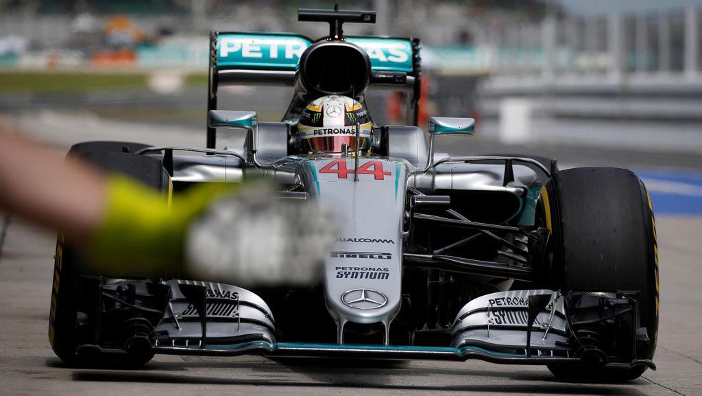 Hamilton Pole, Rosberg Kedua