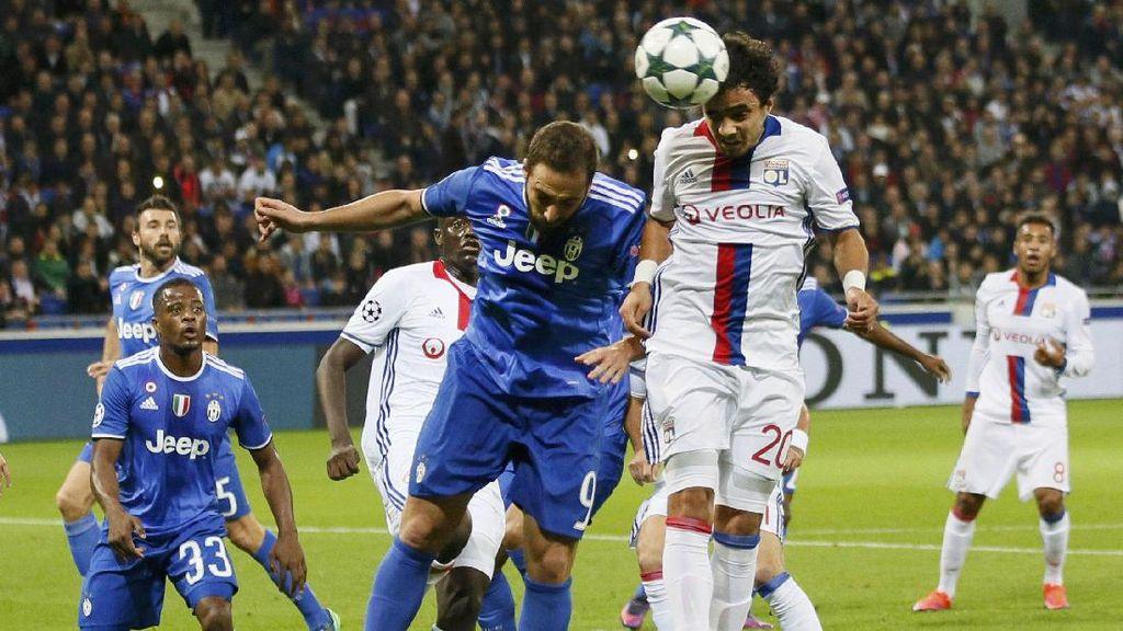 10 Pemain Juventus Kalahkan Lyon 1-0
