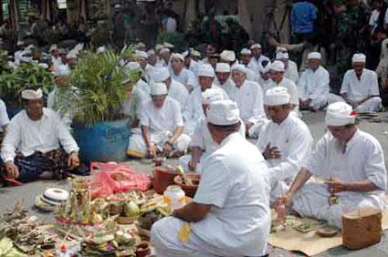 adat2 Pakaian Tradisional Nusantara I (Jawa & Bali)