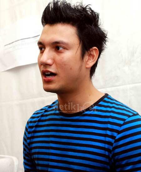 Gaya Rambut Christian Sugiono - Hairstyles News: Gaya ...