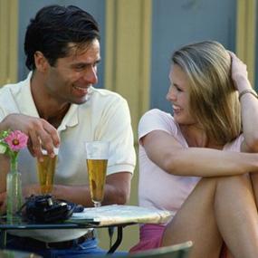 http://images.detik.com/content/2010/01/15/227/flirting-285.jpg
