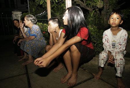 detikFoto : Gempa Guncang Aceh, Warga Medan Panik