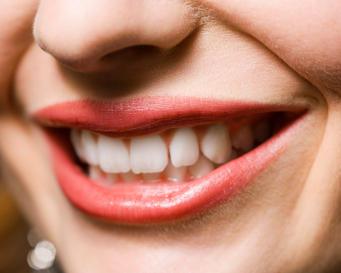 http://images.detik.com/content/2010/11/11/234/gigi.jpg