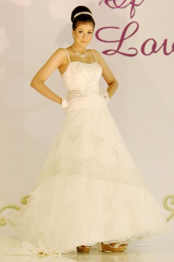 Eva bun wedding