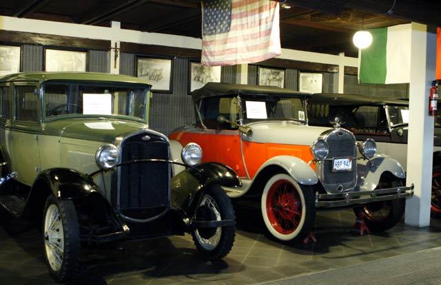 http://images.detik.com/content/2010/12/10/647/Mobil-Tua5.jpg