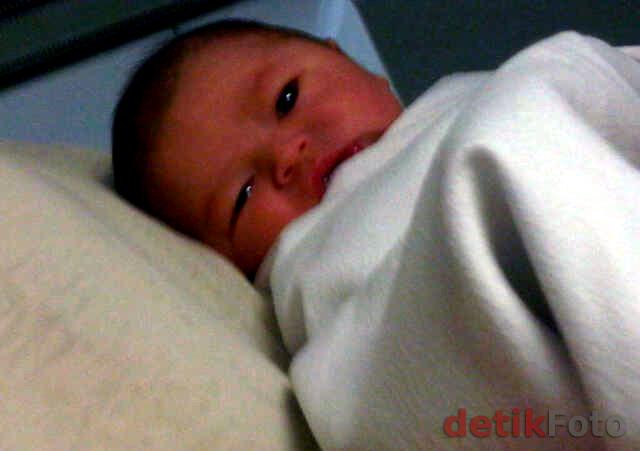 yuk lihat foto bayi tamara Bleszynski
