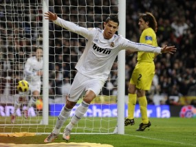 VIDEO REAL MADRID VS VILLAREAL 4-2 (YOUTUBE) RONALDO HAT-TRICK Hasil Liga Spanyol 2011