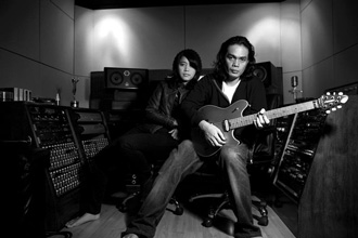 10 Gitaris Paling Berpengaruh Di Indonesia