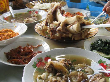 Terkenang Sop Sumsum dan Nasi Gurih Magelang
