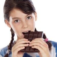 makan coklat