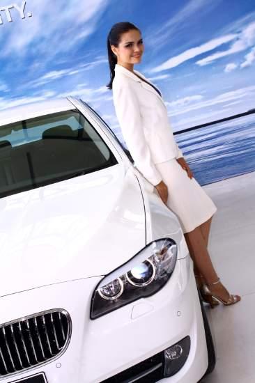 Sedan Premium Bermesin Diesel