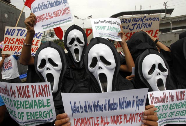 Krisis Nuklir Jepang Picu Demo Anti Nuklir
