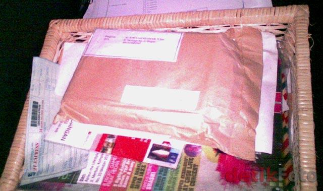 Ahmad Dhani Terima Paket Bom Buku
