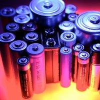 http://images.detik.com/content/2011/03/17/775/baterai-dalam-ts.jpg