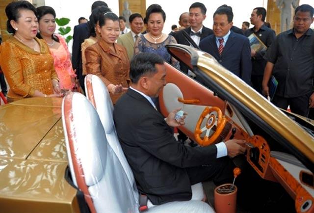 Mobil Listrik dari Kamboja