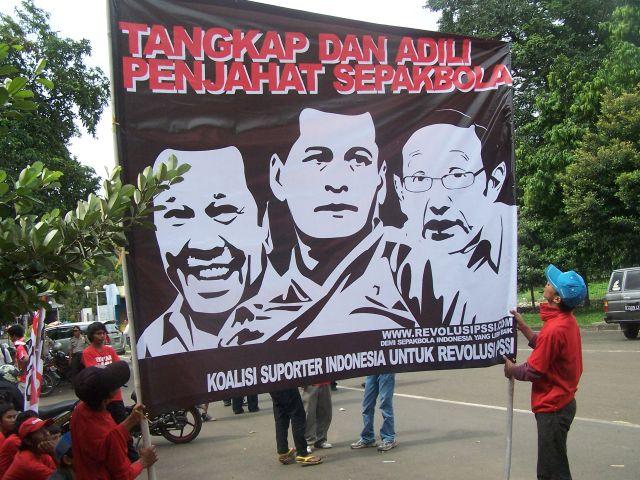 Suporter Terus Perjuangkan Revolusi PSSI