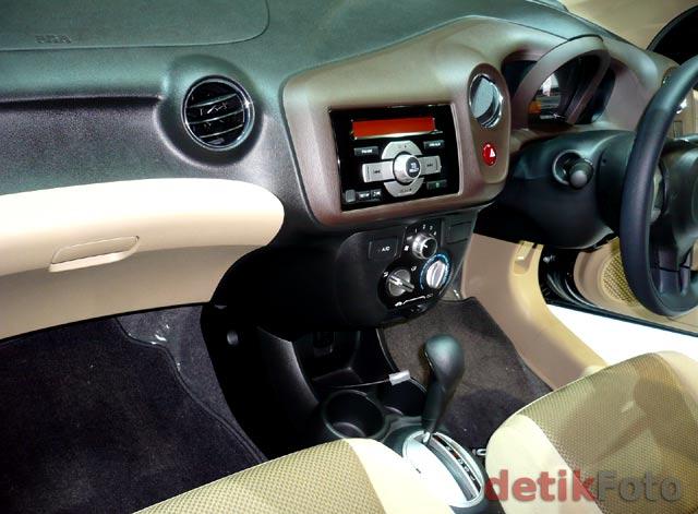 Intip Fitur Honda Brio