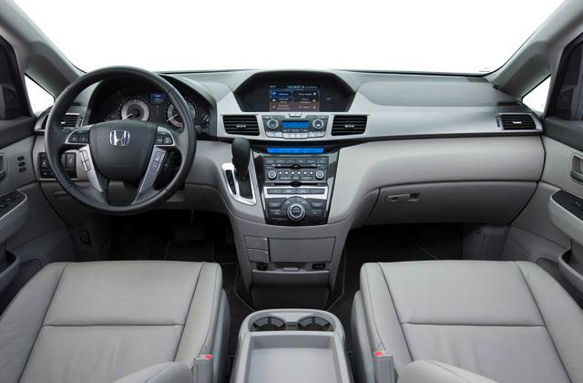 Interior Mobil Menawan