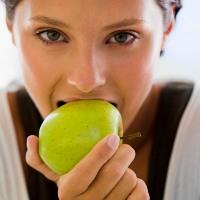 makan+apel+untuk+kesehatan