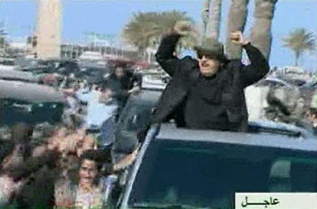Negaranya Diserang, Khadafi Naik Mobil Sport