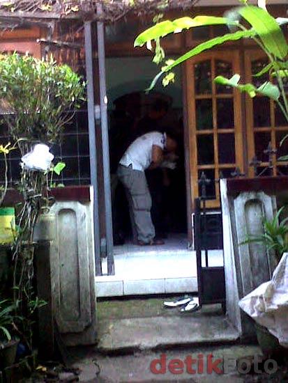 http://images.detik.com/content/2011/04/20/157/Rangkaian-Bom-03.jpg