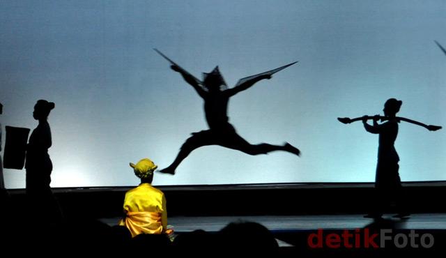 Teater I La Galigo Dipentaskan di Makassar